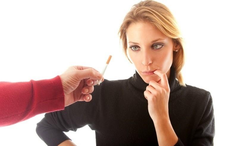 Курение при грудном вскармливании: вред и последствия