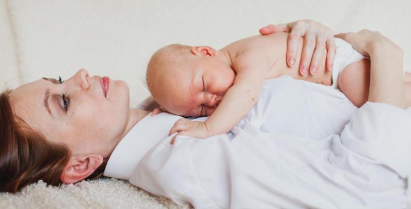 Когда у женщин приходит молоко после родов