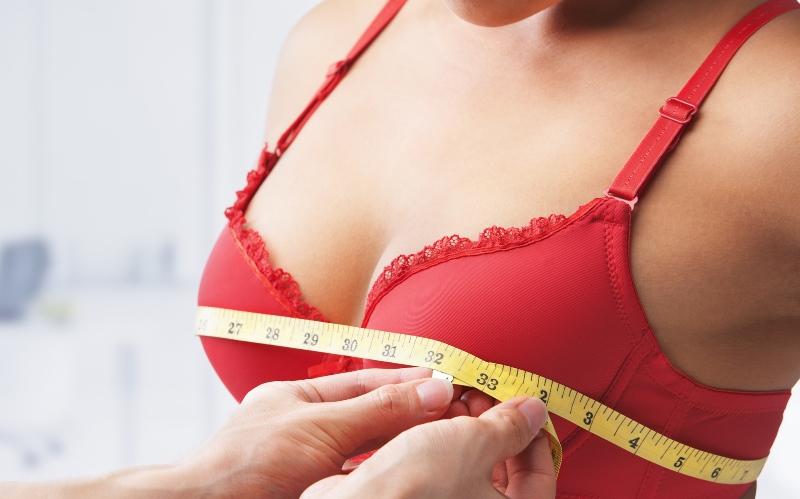 Выясняем как растет грудь в разном возрасте