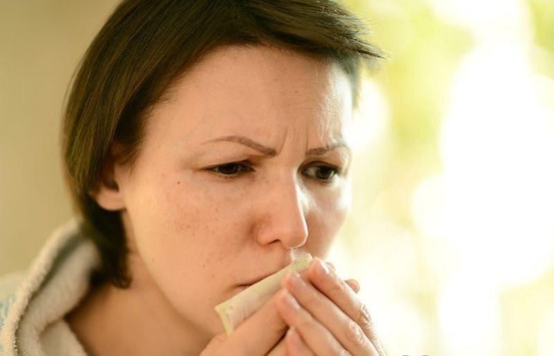 Чем правильно следует лечить кашель при грудном вскармливании
