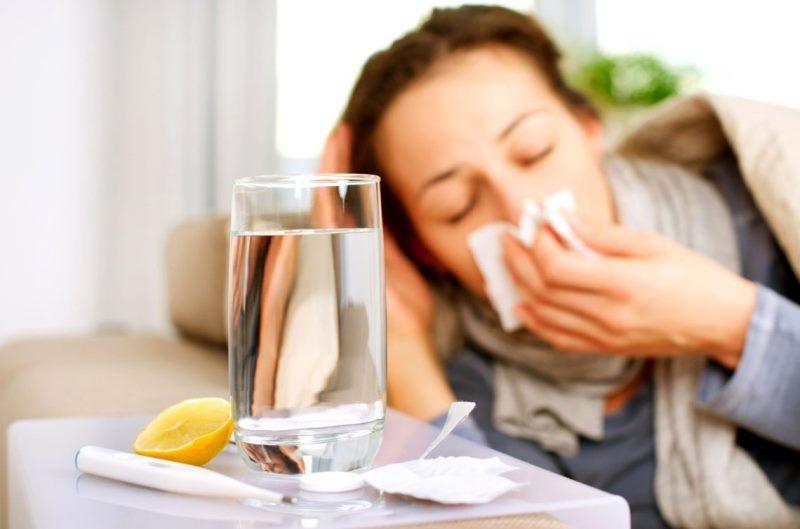 Советы чем и как лечить простуду кормящей маме
