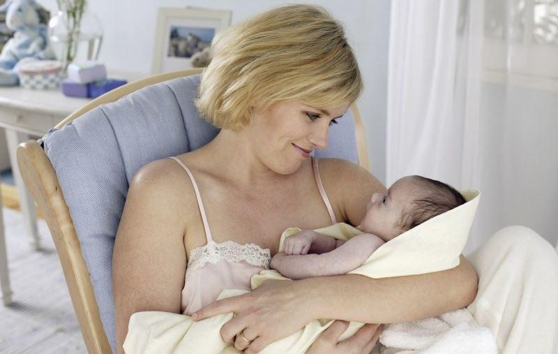 Когда появиться молоко при беременности